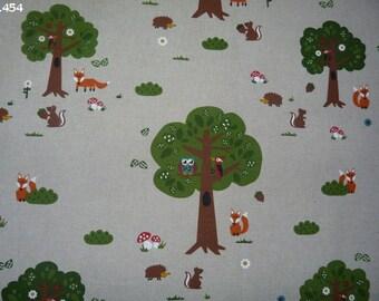C454 coupon 45x50cm woodland animals fabric