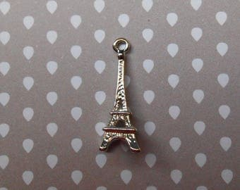 Silver metal Eiffel Tower charm