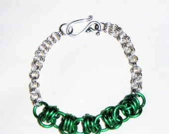 Bright Aluminum and Green Anodized Aluminum Ring Chain Maille Bracelet