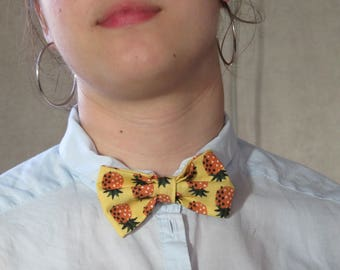 Hand made pineapple bow tie.