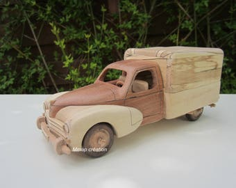 Wooden miniature of a Peugeot 203 pick-up iroko/Maple 1/24 scale.