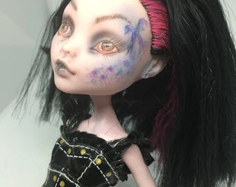 Draculaura monsther high doll repaint