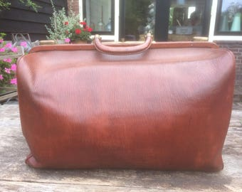 Beautiful, flawless, vintage leather doctor's bag from France