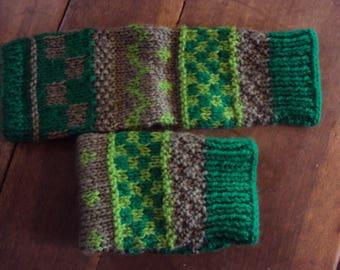 Fingerless gloves knitting pattern from 12 years