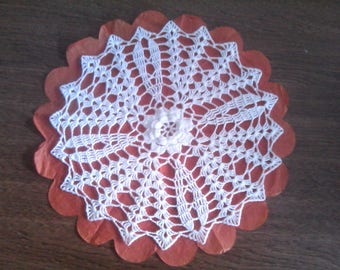 N79 implemented in white cotton crochet DOILY