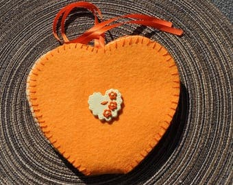 "Travel cousette ""orange and yellow heart"""