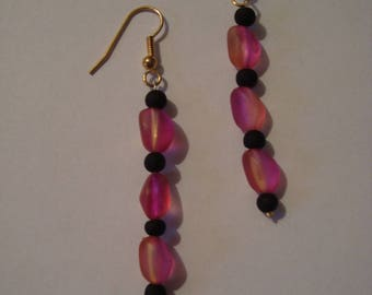 Earrings pink and black
