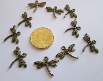10 breloque libellule en métal couleur bronze 19 X 5 mm