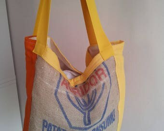 Colored cotton and jute bag with shoulder strap