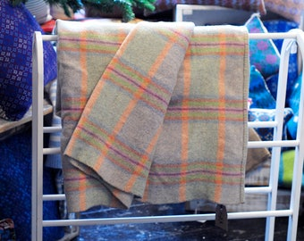 Vintage Welsh Plaid Blanket, Peach and Heather Plaid Welsh Blanket, Traditional Welsh Blanket, Plaid Welsh Blanket, Welsh Wool Mill Blanket
