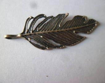 x 1 pendant/charm feather bronze 6 x 2.4 cm