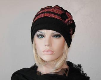 Pink and black hat made of polyester and wool Nina 18
