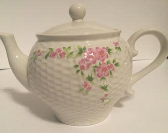 Teleflora Gift white teapot with pink floral pattern 1985