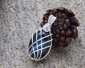 Handcrafted Boho pendant - Blue Labradorite pendant - Labradorite Silver plated Copper pendant - Charm necklace - Heady Wire wrapped jewelry