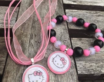 Hello kitty party favors.Hello kitty bead bracelet.Hello kitty pendant necklace.Hello kitty jewelry .Hello kitty birthday party