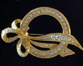 Vintage  Nolan Miller 1970's costume circle with bow.