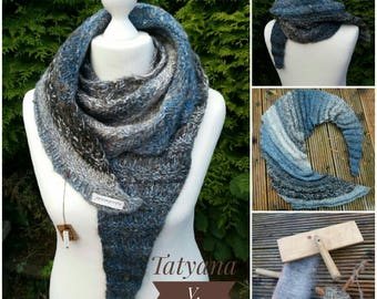 Scarf made of natural wool in beautiful shades of Blue