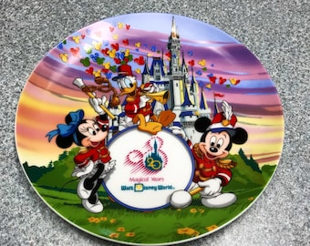 """Disneyworld 20th Anniversary Plate 1971-1991 """"Strike Up The Band""""  featuring Mickey, Minnie and Donald Duck"""