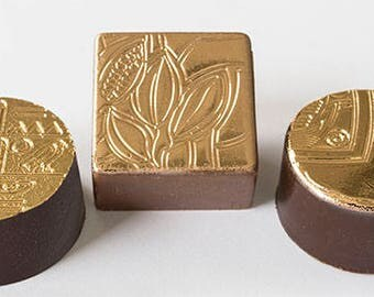 Elegant gold-plated bonbons