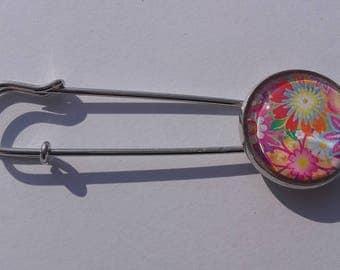 Multicolored flowers brooch