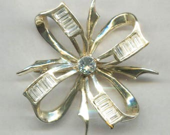Gold Bow Pin With Clear Accent Stones and Center Rhinestone