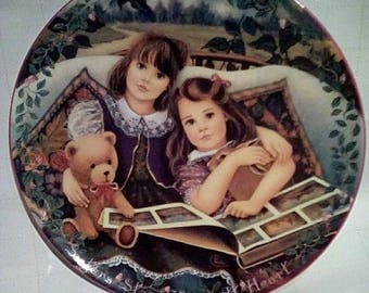 Vintage 1995 Bradford Exchange Close at Heart Collectible Plate