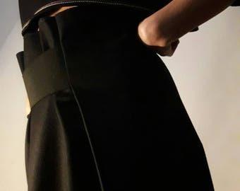 Modern skirt in pure wool