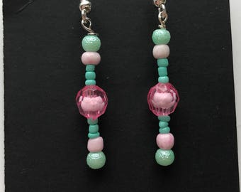 Pink and Green Beaded Drop Earrings, Pink Green Beaded Earrings, Pink Green drop earrings, Pink Green Earrings, green pink earrings