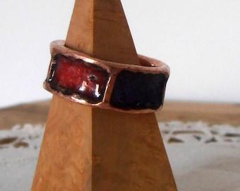 Enamel vintage style edgy ring.