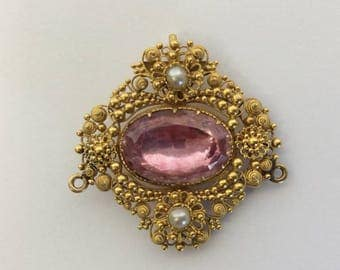 Antique Topaz and pearl pendant in high carat gold mount with ball decoration. Approx. 7.2 grams