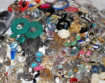 Vintage Costume Jewelry Lot 10 Lbs Parts Repair Beads Earrings Bracelets Pins Brooches Loose Beads Plus