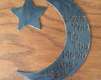 T'aime Moon suspendus.