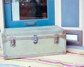 1950's Military Foot Locker with Divider Tray