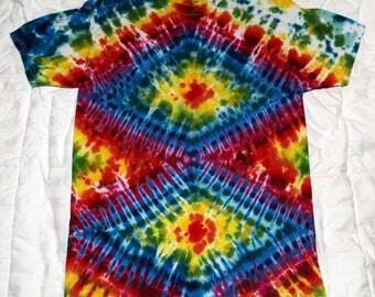 Tie dye t-shirt (adult medium)