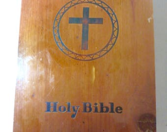 1961 Holy Bible- prince of peace catholic edition in original Cedar  box