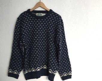 Vintage Sweater • Size M