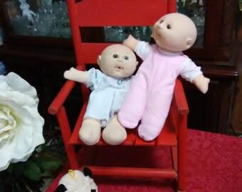 Vintage 1974 set of 2 Uneeda Dolls