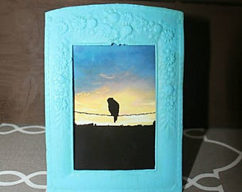 Frame for 2x3 image. Also comes with a printed image of your choice