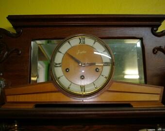 Antique clock brand Eracta