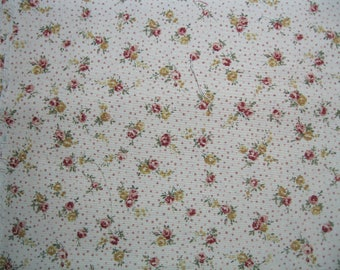 Cotton Quilt Fabric - Red Roses on Pink Background