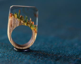 RedMoss wood and resin ring