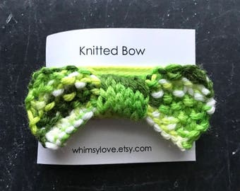 Knitted Bow - green white multi