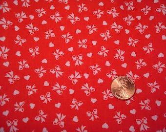 Quarter yard VINTAGE tiny print fabric RED BOWS and tiny hearts