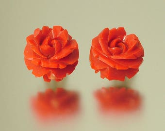 Vintage/ estate Art Deco, 1930s / 1940s red bakelite clip on, flower earrings - jewelry jewellery