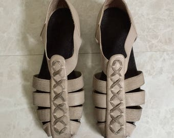 Taupe Huaraches with X Embroidery - 1990s - size 8