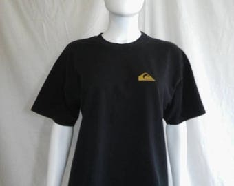 Closing Shop 40%off SALE Quicksilver International  90s t shirt   BALI