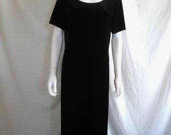 Closing Shop 40%off SALE 90s black velvet long dress