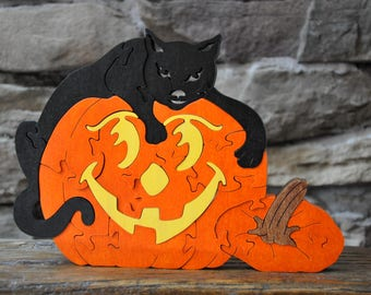 NEW Jack O Lantern Pumpkin with SPOOKY Black Cat Halloween Fall Puzzle Wooden Toy Hand Cut with Scroll Saw