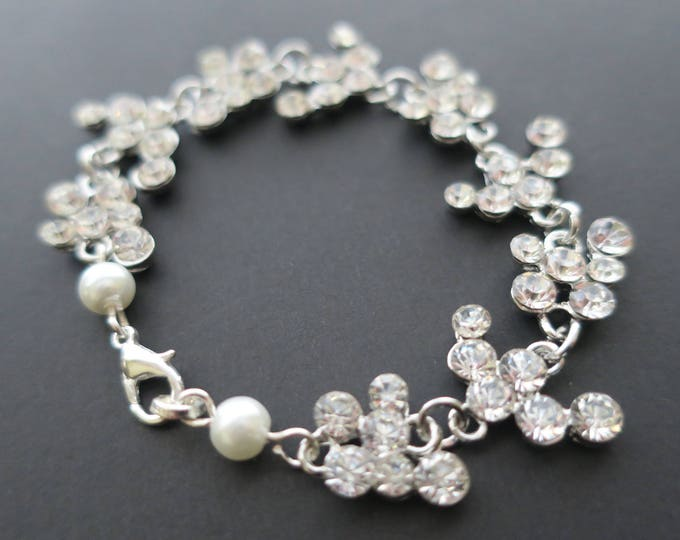 Cubic Zirconia Bridal Bracelet Wedding Jewelry Brides Maid Party Gift Pearl and Crystal Bracelet Statement Clear White Cluster Rhinestone
