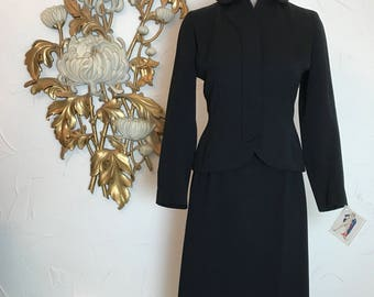1940s suit fitted suit film noir girl friday size small moordale suit wool suit black suit 25 waist